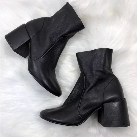 457f36cf2b7 New Jeffrey Campbell Flare Heel Ankle Boots 9